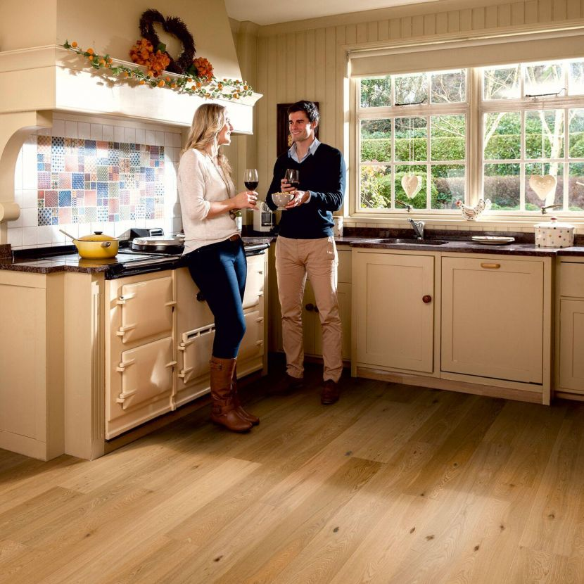 EWF 14mm Lacq Oak kitchen